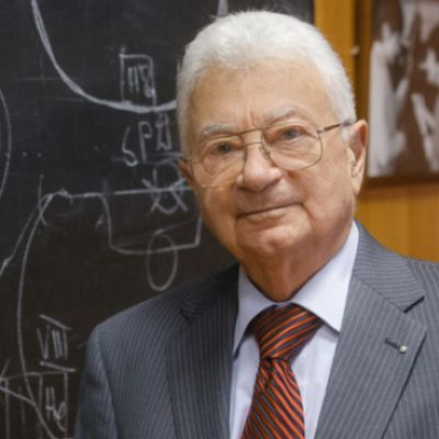 Юрий Оганесян